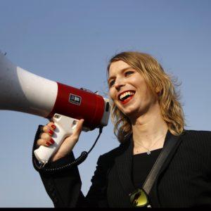 WikiLeaks : Chelsea Manning renvoyée en prison pour refus de témoigner sur Julian Assange