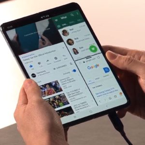 Image article Galaxy Fold, le smartphone pliable à 2 020€ de Samsung, est disponible en France