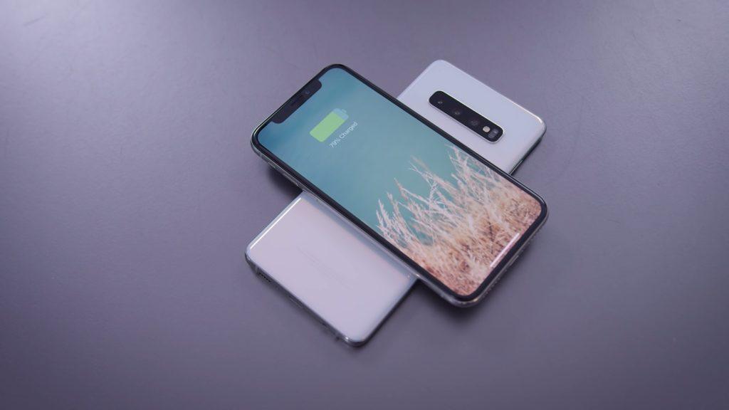 Galaxy S10 Plus Recharge IPhone XS Sans Fil 1024x576