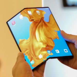 Smartphone pliable : Huawei dit vendre 100 000 Mate X par mois