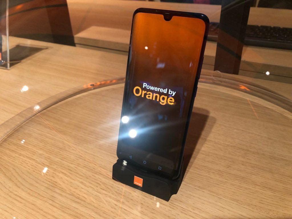 Smartphone Orange 5G 1024x768