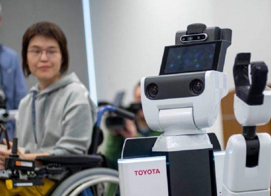 robot HSR Toyota