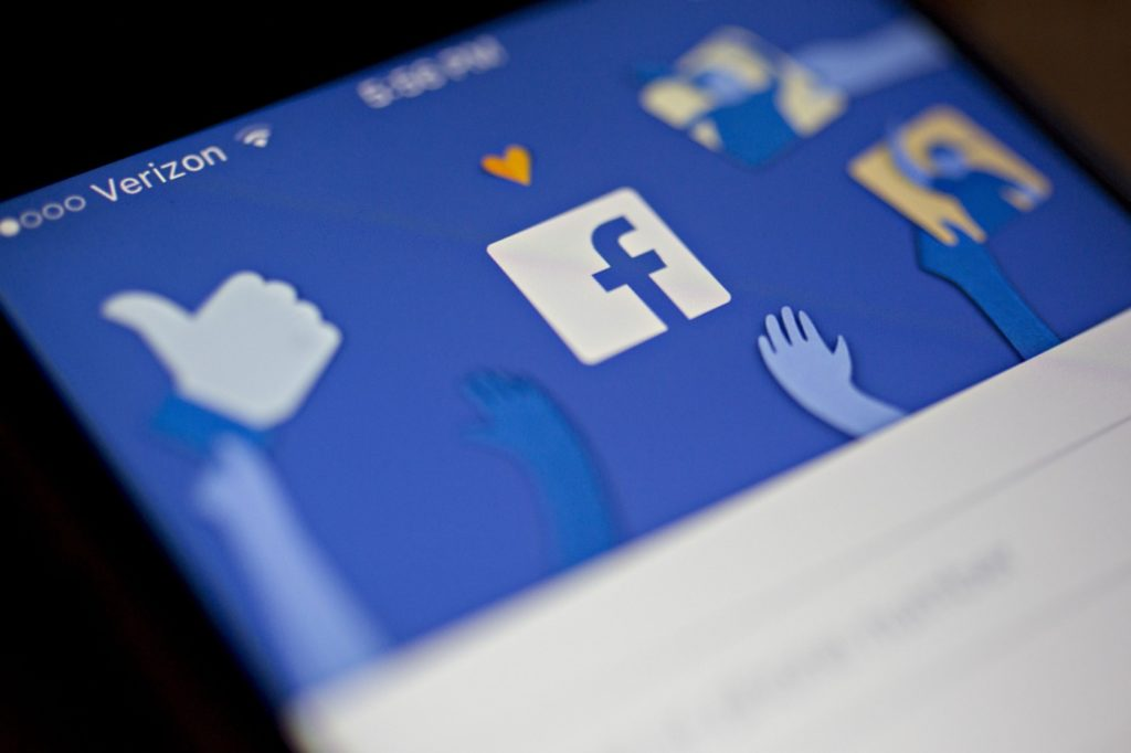 Facebook Logo Application 1024x682