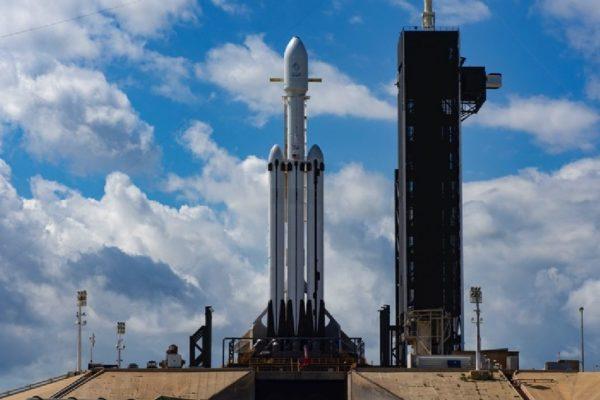 Falcon Heavy Arabsat 600x400