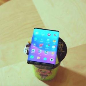 Xiaomi tease son smartphone pliable en vidéo, et ça ne fait pas un pli !