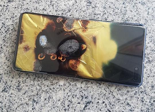 Galaxy S10 5G Prend Feu Avant