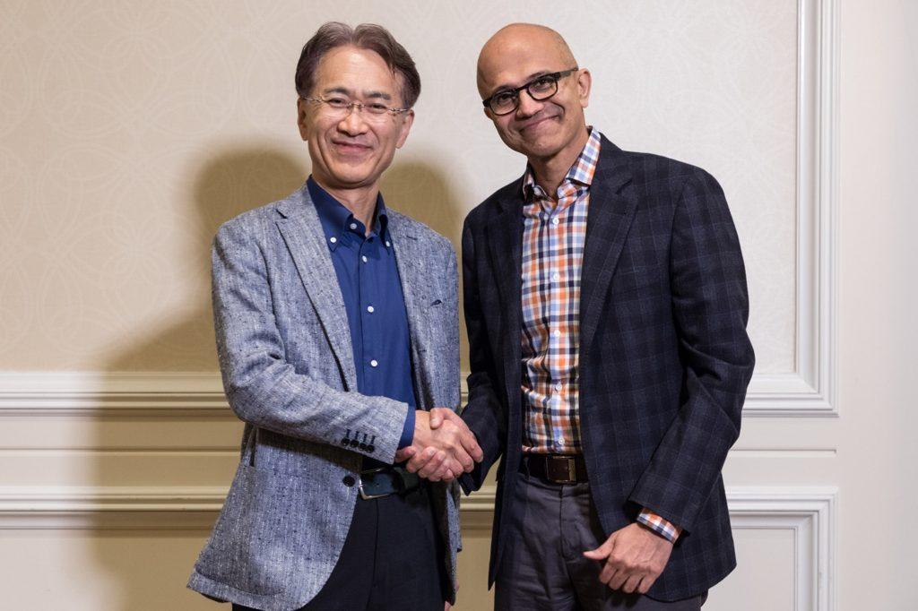 Kenichiro Yoshida Et Satya Nadella 1024x682