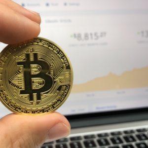 Donald Trump n'est pas fan du bitcoin et des autres cryptomonnaies : «elles ne sont pas de l'argent»