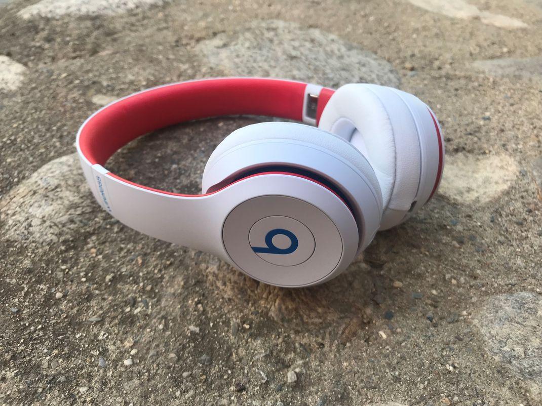 Beats Solo 3 Wireless 33