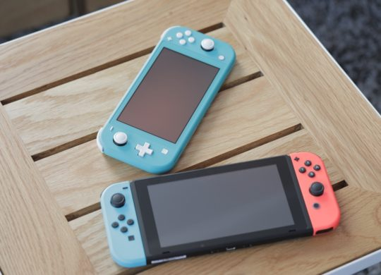 Switch Neon vs Switch Lite Bleu