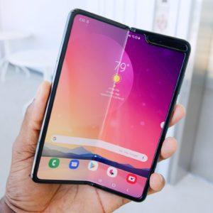 Galaxy Fold : Android 10 est disponible pour le smartphone pliable de Samsung