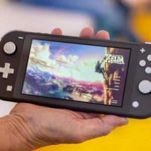 Image article Joy-Con Drift : déjà des problèmes avec la Switch Lite, à peine lancée