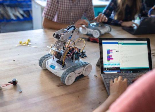 Sphero RVR robot educatif
