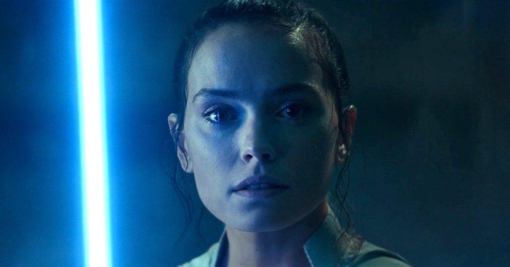 Star Wars 9 Rey Sabre Laser 1 1024x536