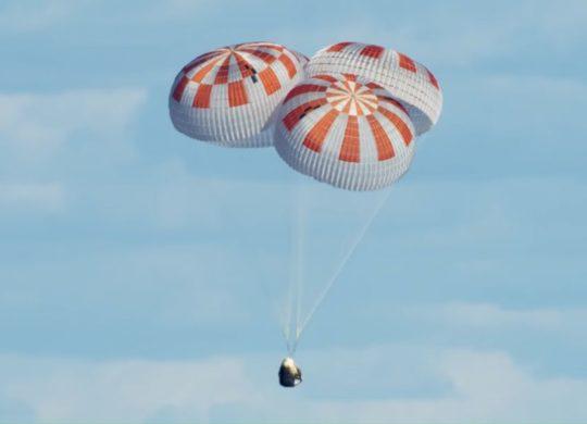 Crew Dragon SpaceX parachutes