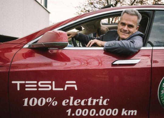 Tesla 1 million km