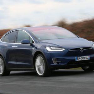Tesla lance les livraisons de sa Model Y