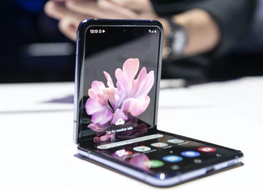 Galaxy Z Flip Semi-Plie 1