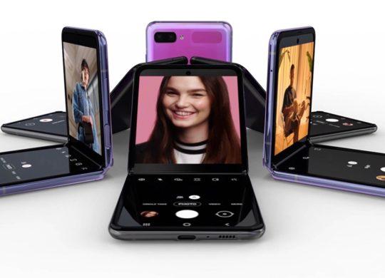 Samsung Galaxy Z Flip Officiel Semi-Plie