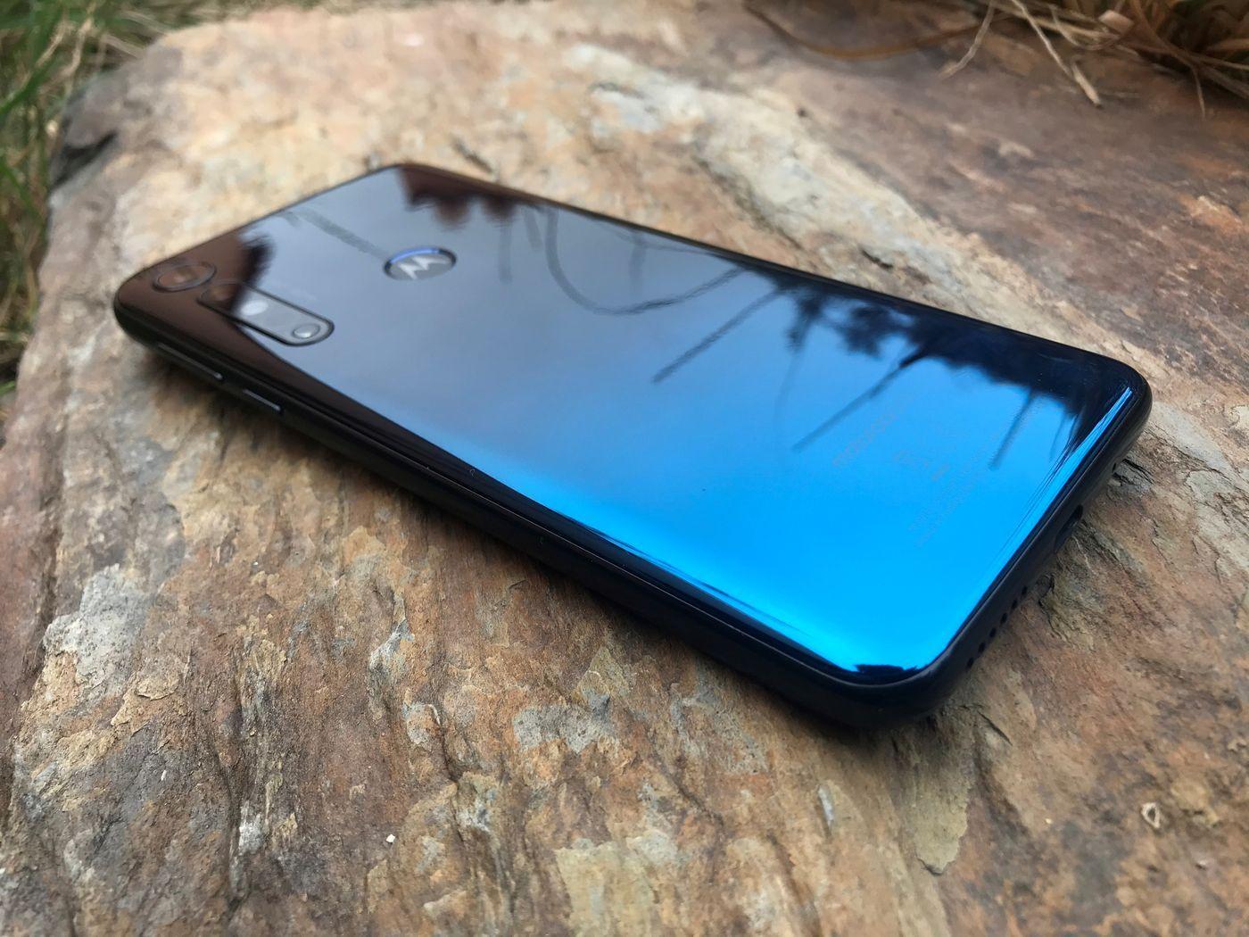 Motorola One Macro 1