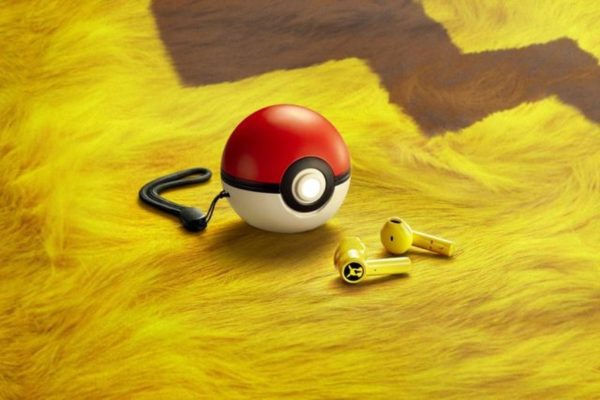 Pikachu Wireless Earbuds 600x400