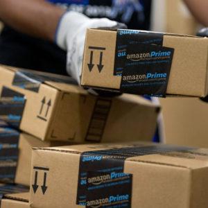 Image article Amazon France va verser une prime jusqu'à 1 000 euros à ses employés