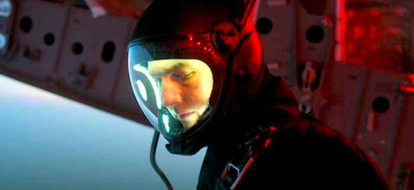 Tom Cruise Oblivion 600x275