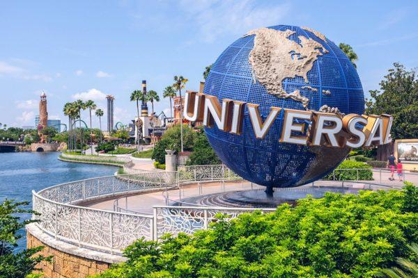Universal Studios Entrance 600x400