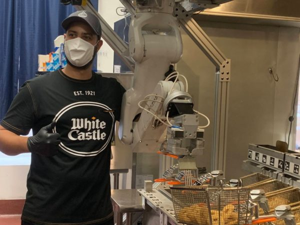 White Castle Robot 1 E1594721684842 600x450