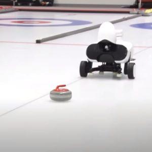 Image article Le robot Curly parvient à battre deux équipes championnes de Curling