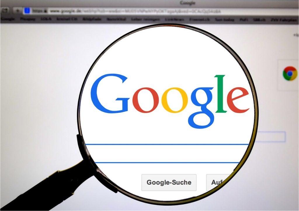 Google Logo Loupe