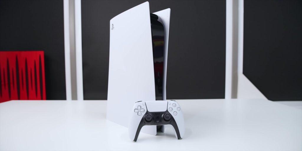 PS5 Debout et Manette DualSense