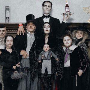 Image article La Famille Addams : Netflix produirait une adaptation série réalisée par Tim Burton !