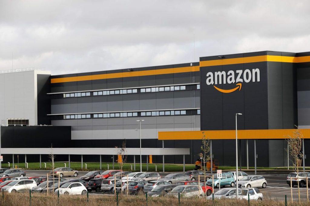 Amazon Logo Depot Centre Distribution