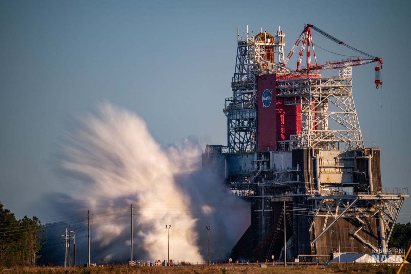 Image article Space Launch System (NASA) : échec lors du test de mise à feu
