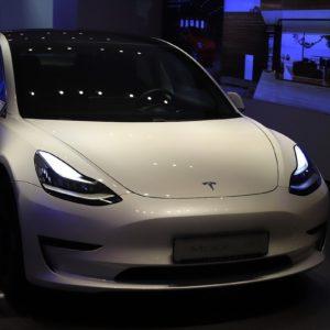 Image article Tesla sous le joug d'une enquête de la NHTSA et de la KBA