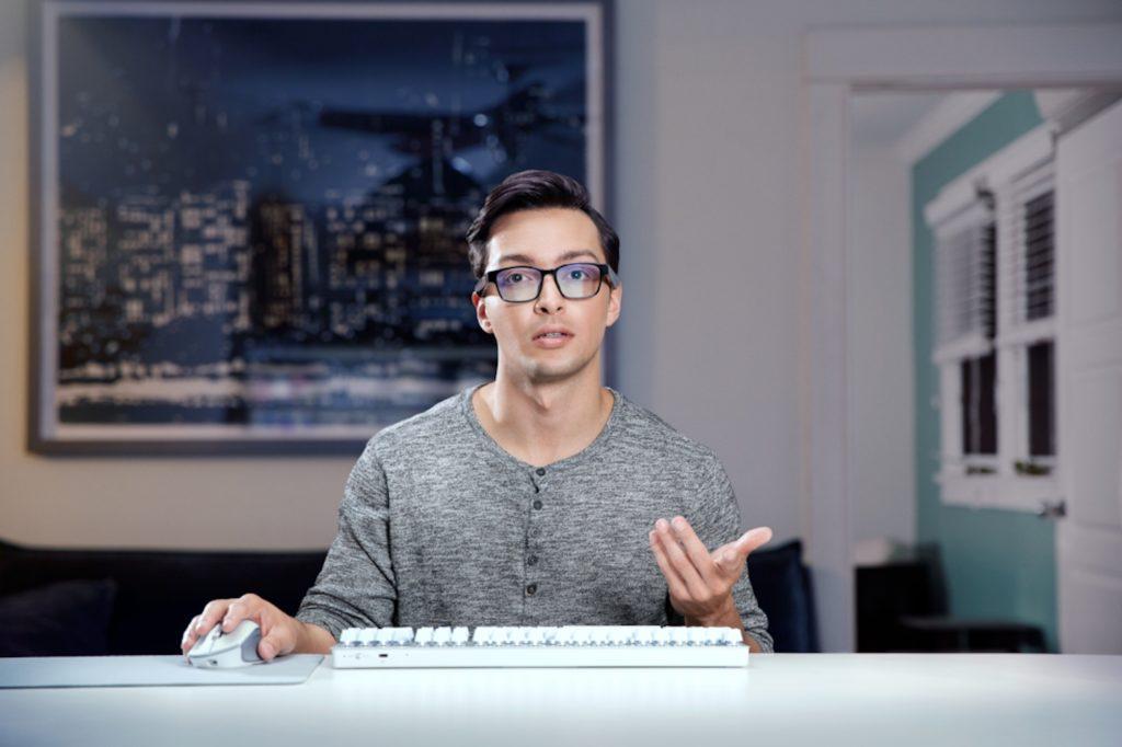 Razer lance Anzu, ses lunettes connectées avec haut-parleurs intégrés