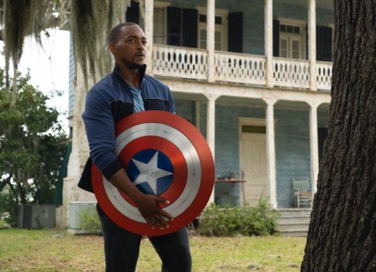 Captain America Bouclier Falcon et le Soldat de Hiver