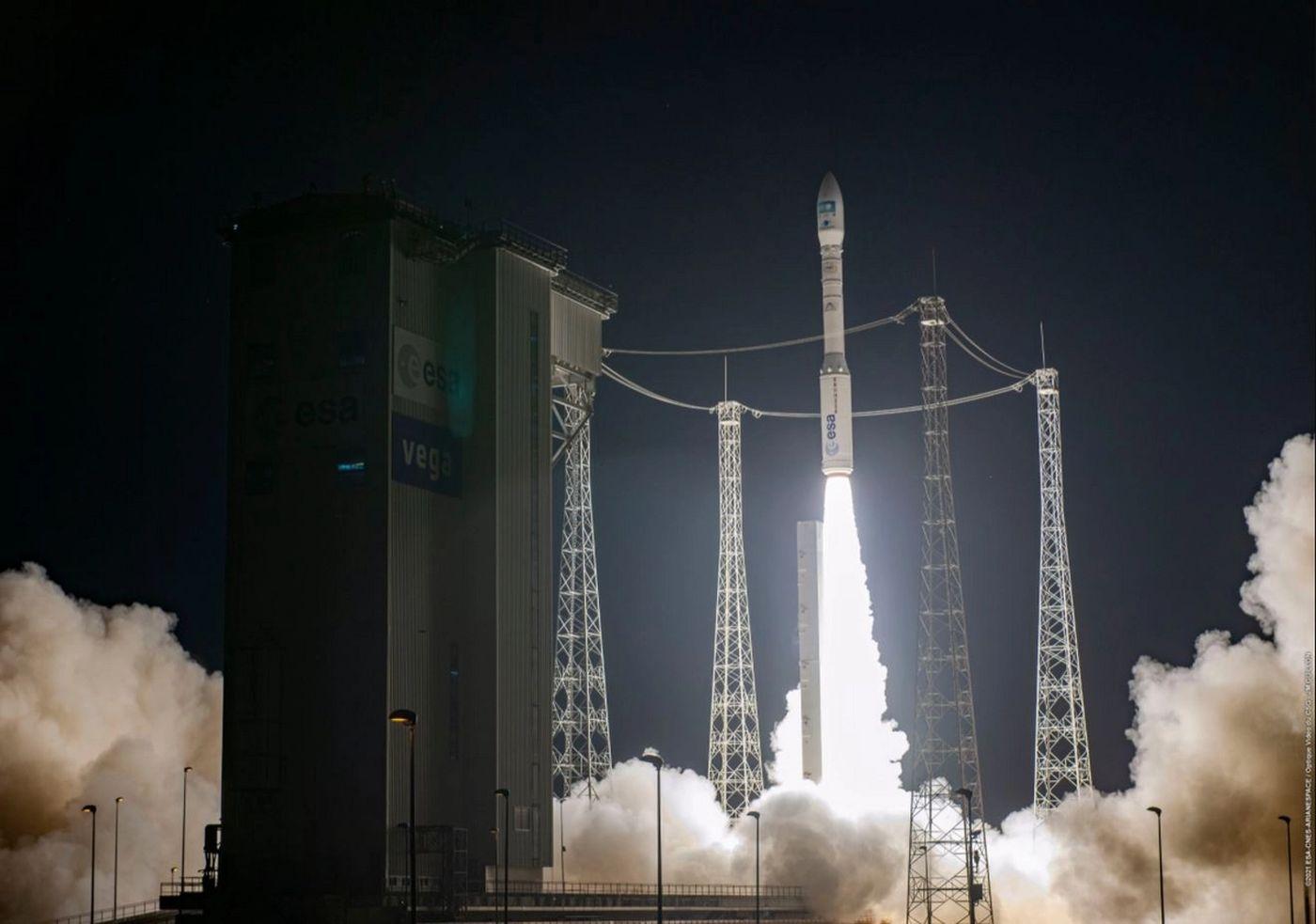 Mission réussie pour le petit lanceur européen Vega : le satellite d'observation Pléiades NEO est en orbite