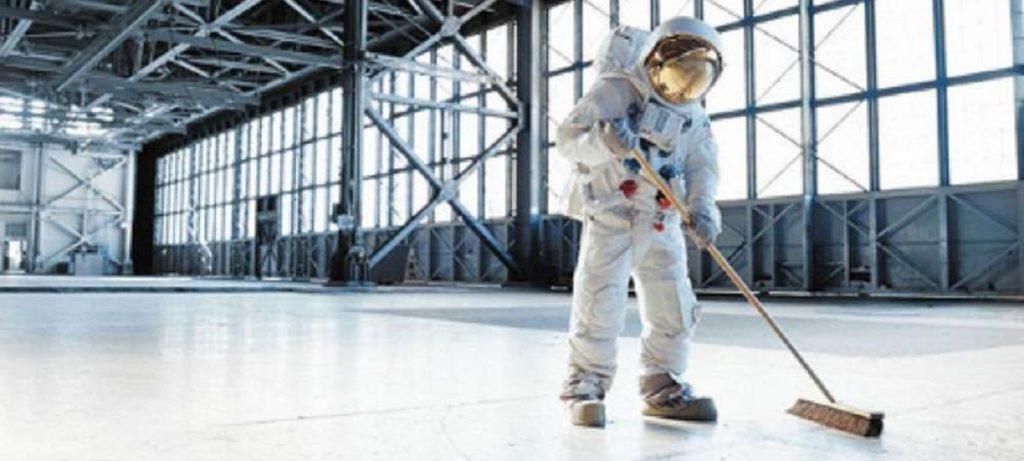 astronaute-menage-iss