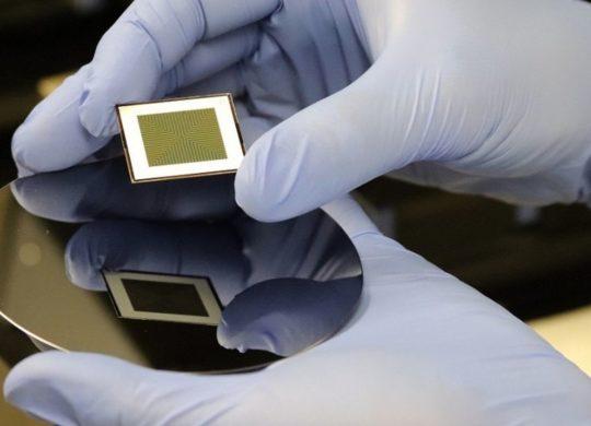 Cellule solaire deux faces