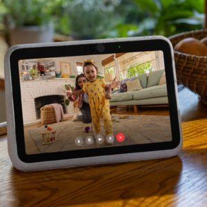 Image article Facebook dévoile Portal Go, son premier écran connecté portable
