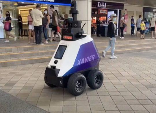 Robot policier Xavier