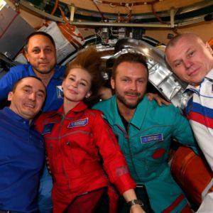 Image article Fin de tournage à bord de l'ISS : l'actrice Yulia Peresild et le réalisateur Klim Shipenko sont revenus sur Terre