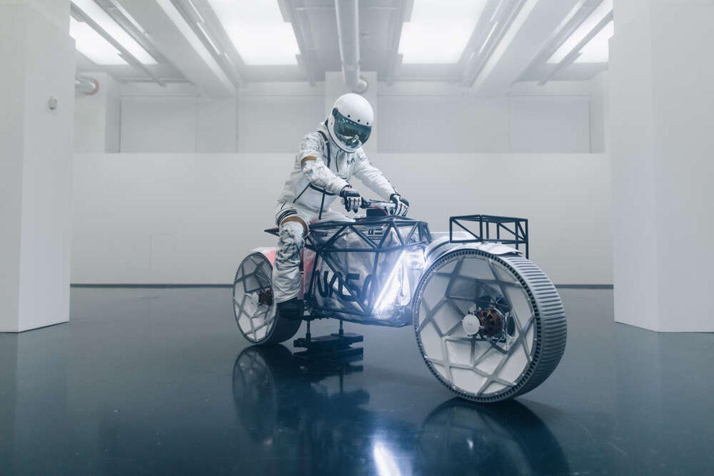 Image article Une société allemande dévoile un concept de moto lunaire
